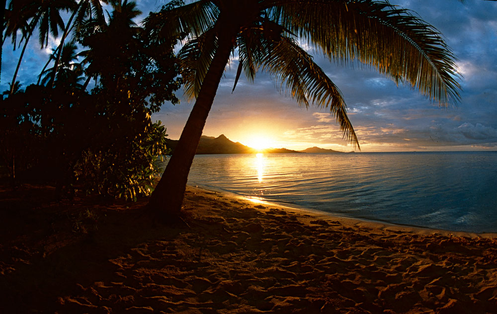 Por do sol em Nukubati, Ilhas Fiji, Pacifico