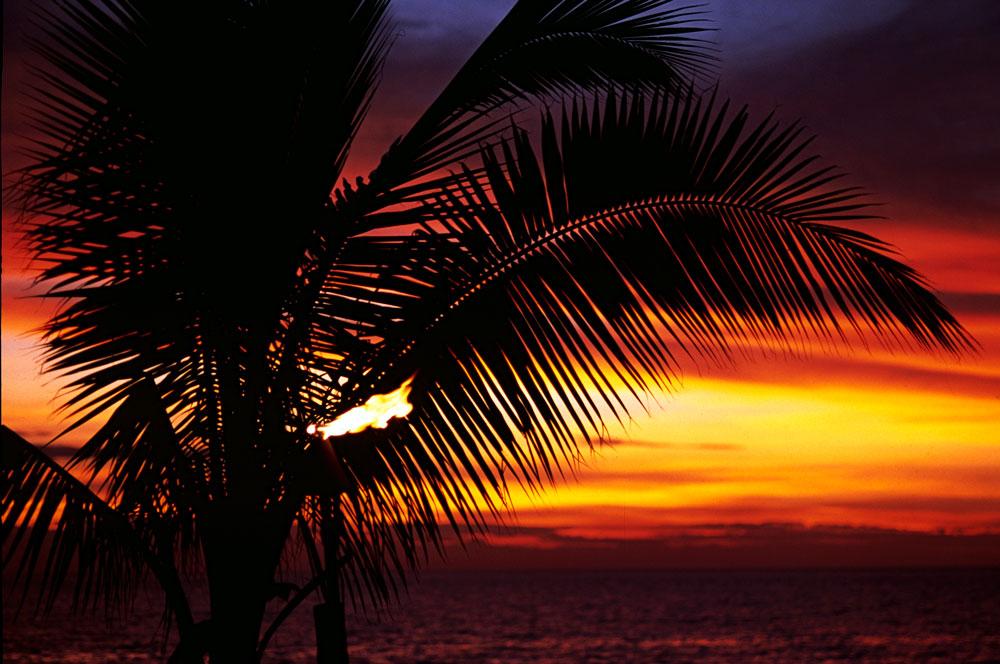 Por do sol em Savu Savu, Ilhas Fiji, Pacífico