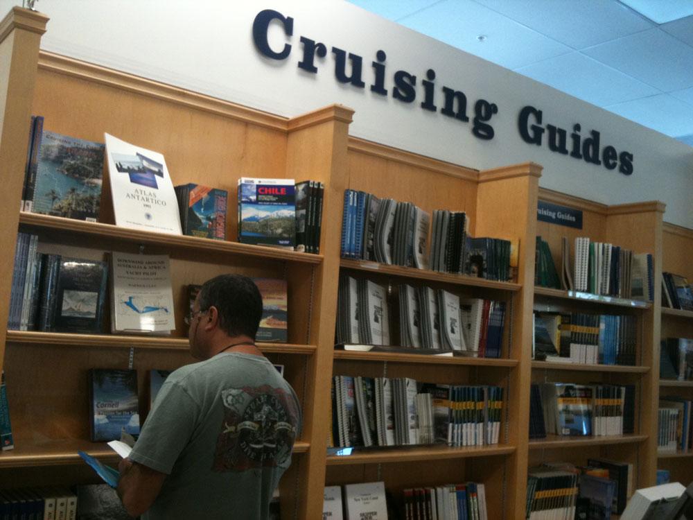 Comprando todos os guias sobre cruzeiro no Caribe