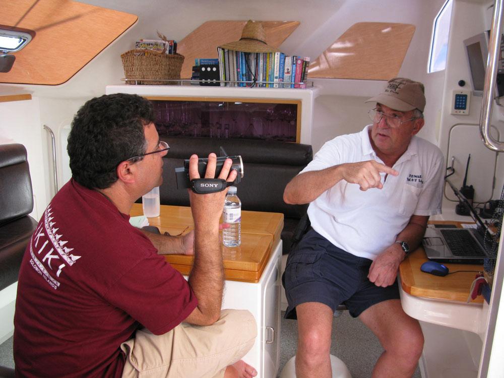 Tendo aulas de vela prática com o Capitão e amigo Bob Cook