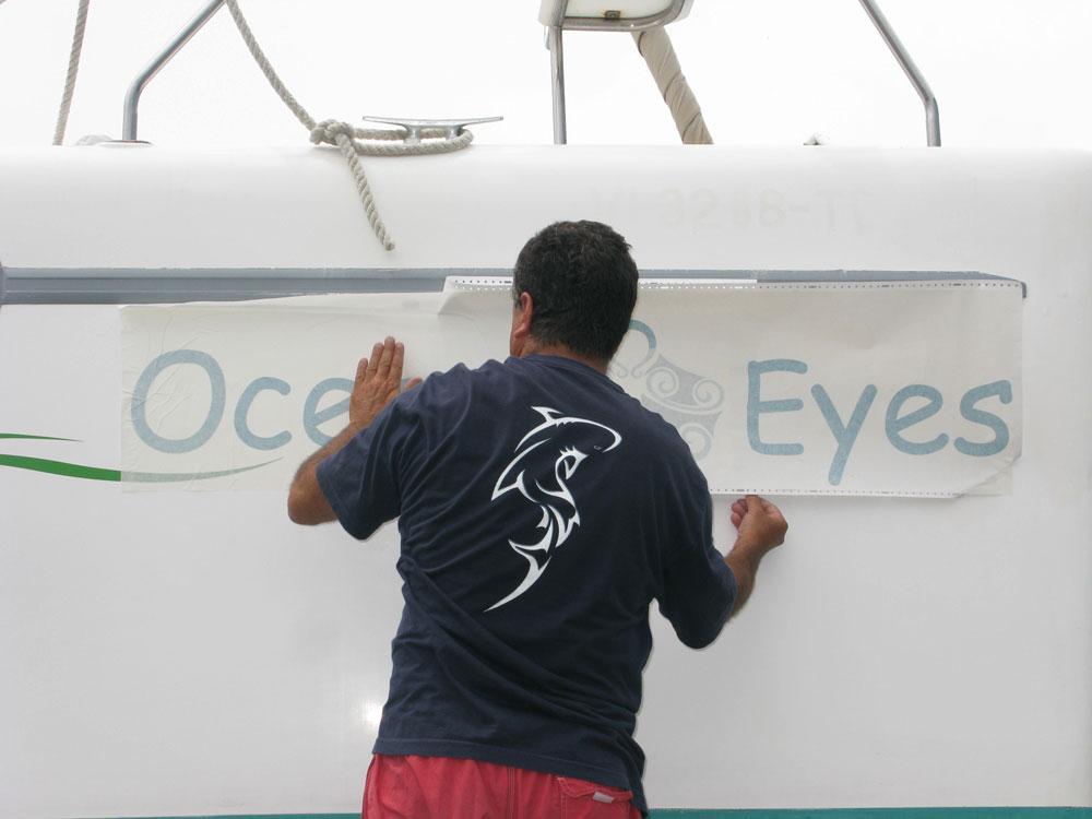 Rebatizando nosso barco para Ocean Eyes